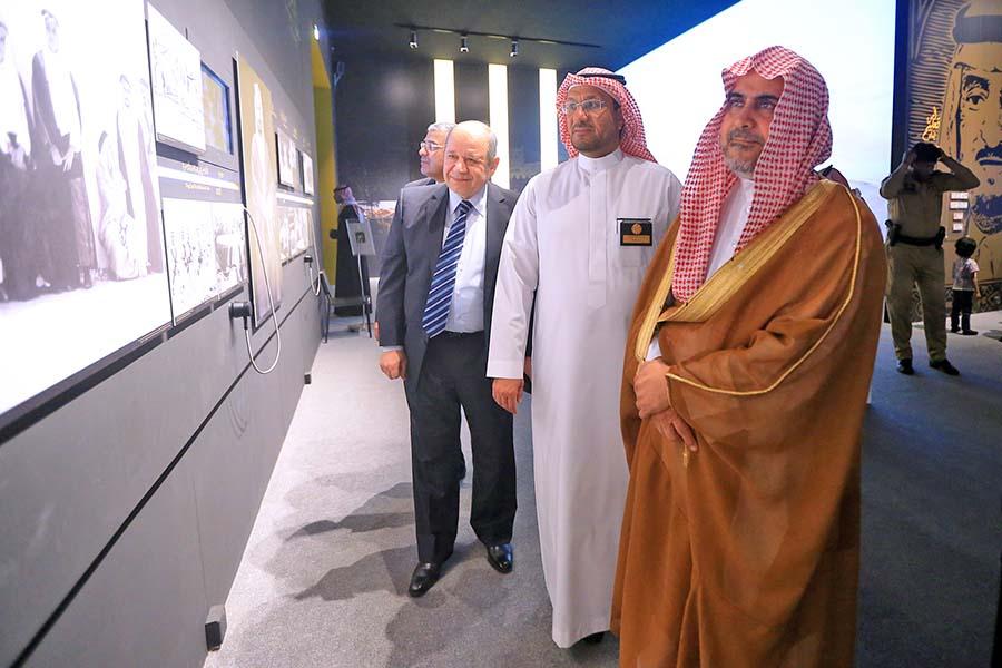 رئيس المحكمة الإدارية العليا : المعرض «مدرسة» تضم معلومات موثقة