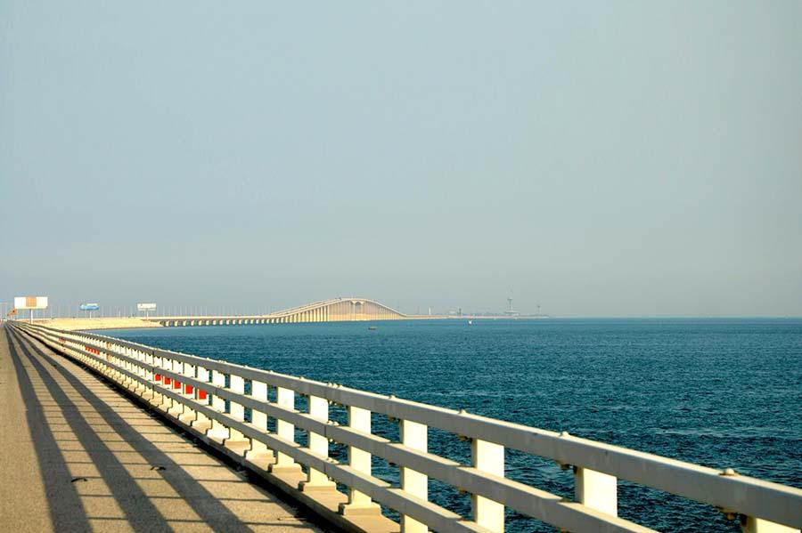 جسر الملك فهد علامة خليجية للتطور والإخاء