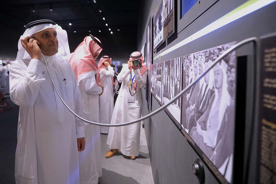 د. محمد المشعل : كم جميل أن يعرف أبناؤنا ماذا قدم قادتنا لهذا البلد