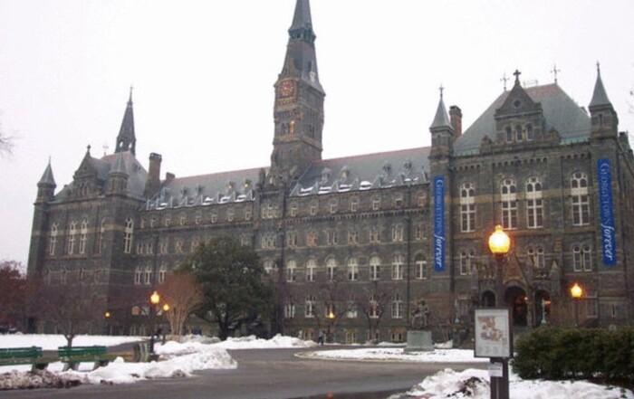 جامعة جورج واشنطن تعلن تسمية رئيس كرسي الملك فهد لأبحاث السرطان