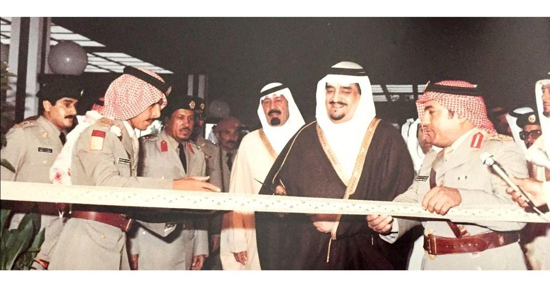 واستحق أن تُخلّد الإنجازات اسمه.الفهد خلال افتتاحه مستشفى الملك فهد للحرس الوطني عام 1983م، وبمعيته الملك عبدالله بن عبدالعزيز