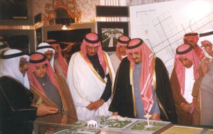 شهادات ورؤى معاصرة: الملك فهد جمع مقومات الزعامة بمواصفاتها الحقيقية ومتطلباتها الذاتية
