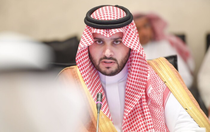 الأمير تركي بن محمد بن فهد يزور مدينة الملك فهد الطبية
