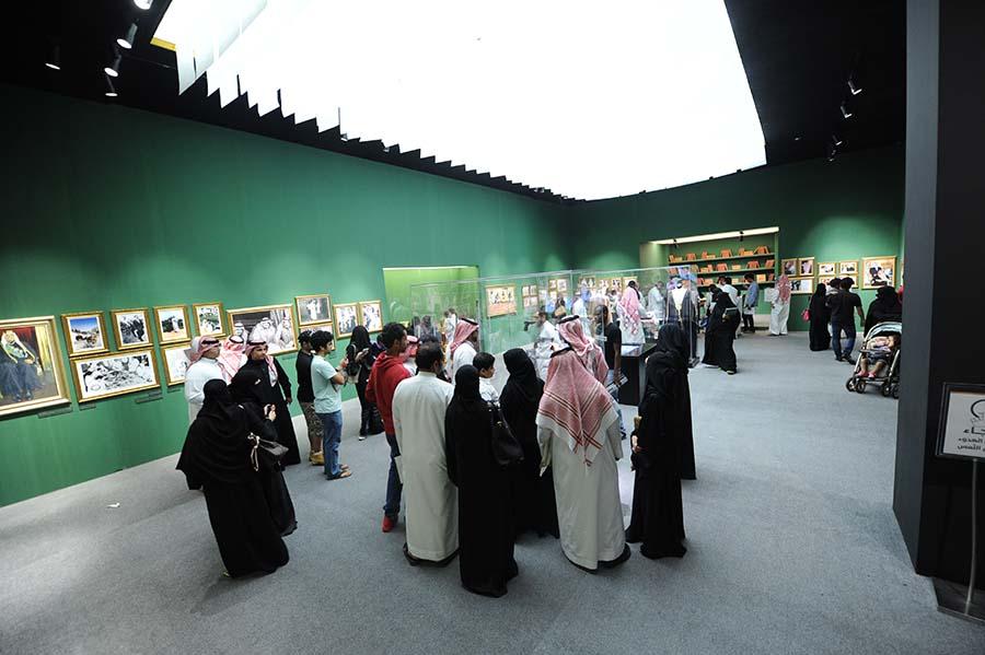 معرض وفعاليات الفهد روح القيادة يبدأ استقبال الزوار في جدة بعد التوقف